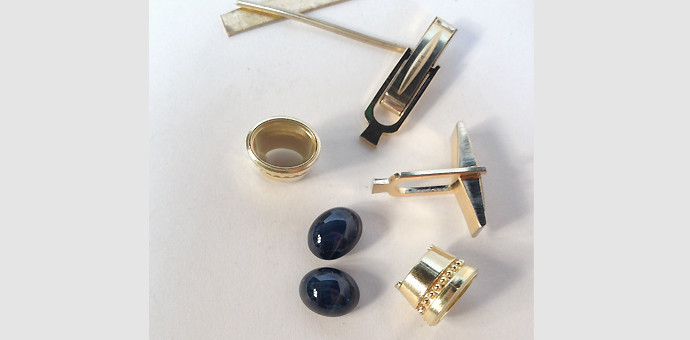 Parts for Blue star saphhire cuff links in 18k gold from repeat customer