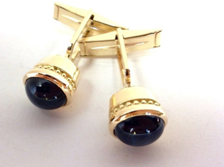 Finished Blue star saphhire cuff links in 18k gold from repeat customer