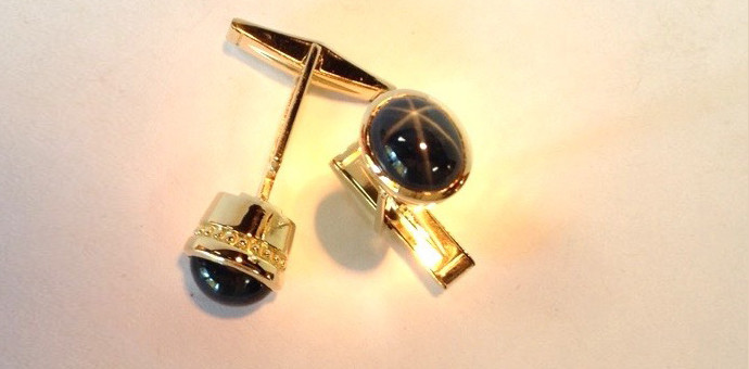 Blue star saphhire cuff links in 18k gold for Farmington, CT client