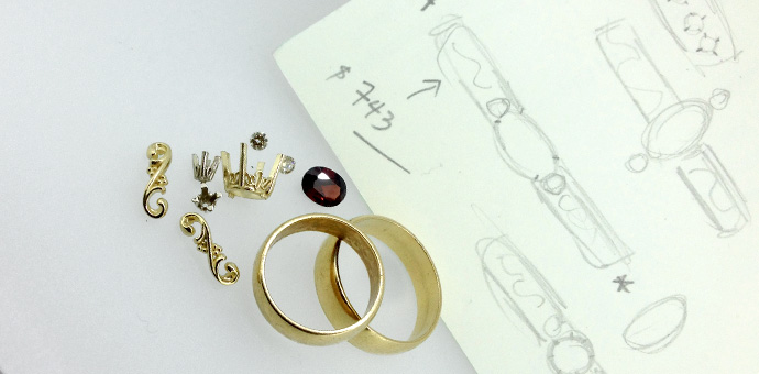 gold-ring-with-garnet