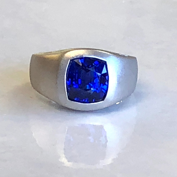 platinum ring with magnificent cushion cut genuine sapphire