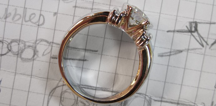 solitaire diamond ring with pretty mounting
