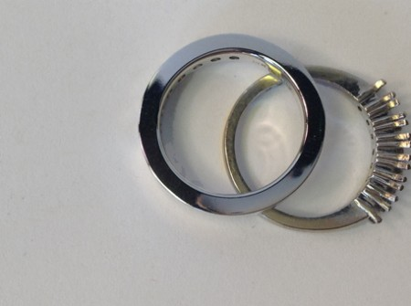 channel ring vs pronged ring