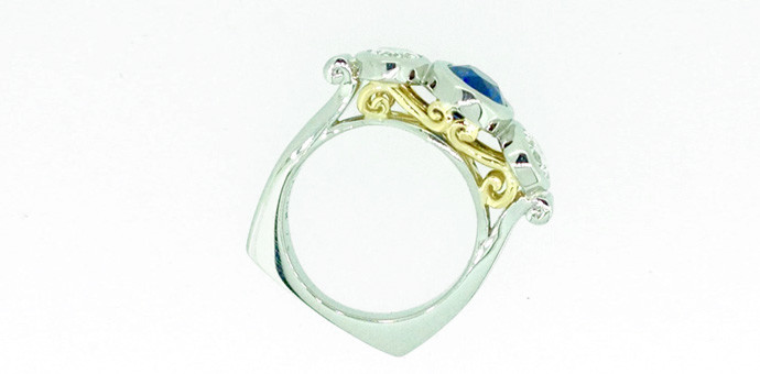 side view of 10 year anniversary ring