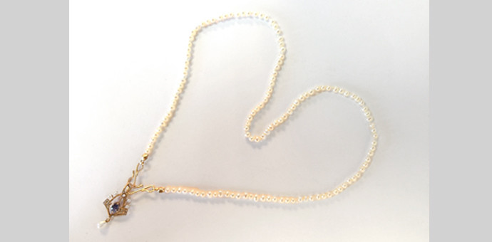 full view of sweetheart pearl necklace with vintage genuine saphhire pendant - shaped into a heart