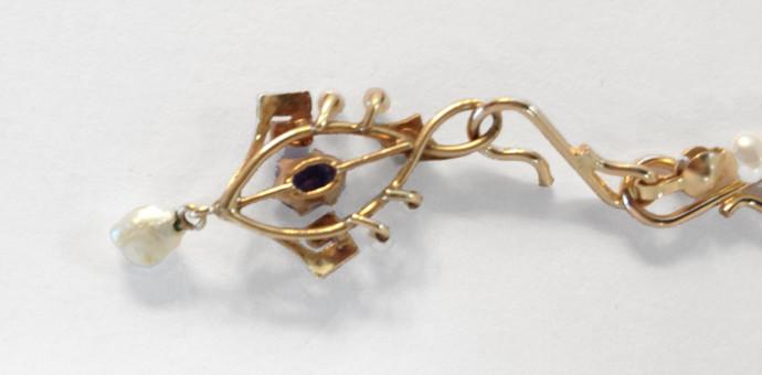 vintage genuine saphhire pendant - detail of back