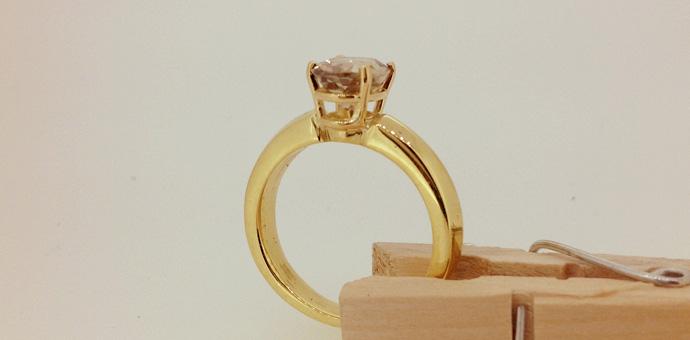 Raimie Weber Jewelery - Rare stone looks brown here but zultanite reacts to the light